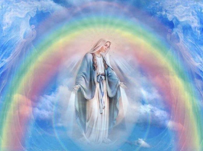 marie-mc3a8re-divine-2-696x520