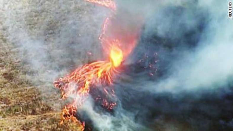 191208065401-australia-bushfire-firenado-queensland-nr-vpx-00000029-large-169