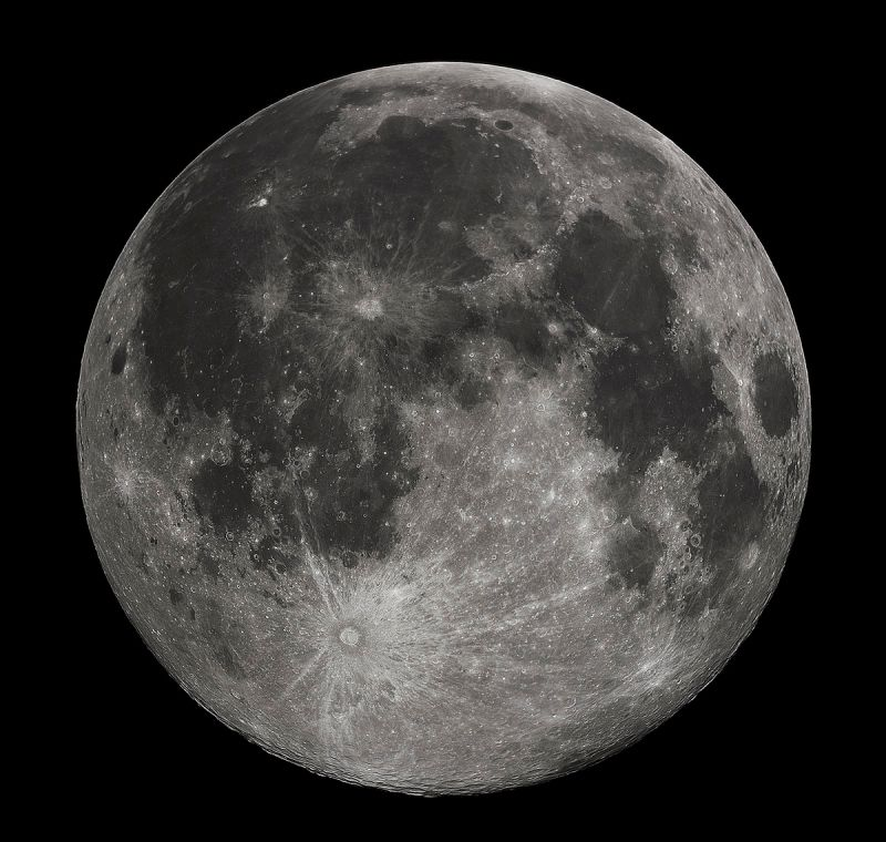1200px-FullMoon2010