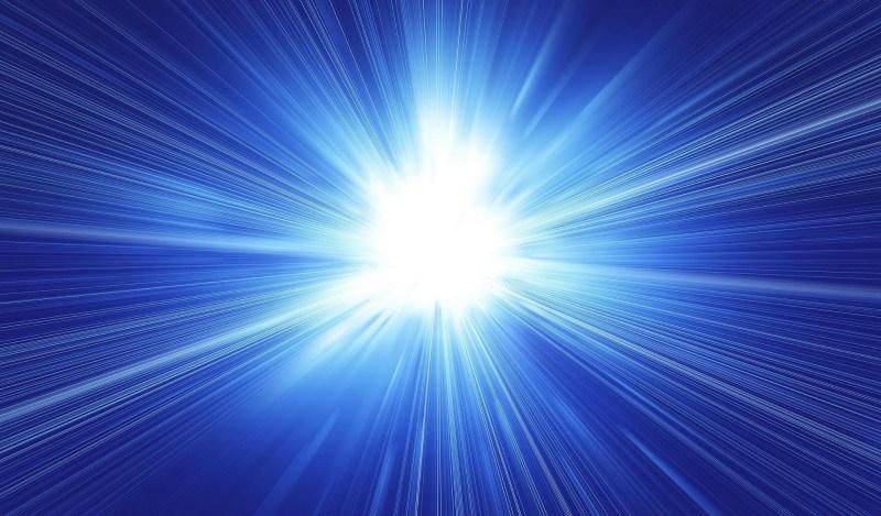 donker-blauwe-abstracte-achtergrond-met-wit-licht-1