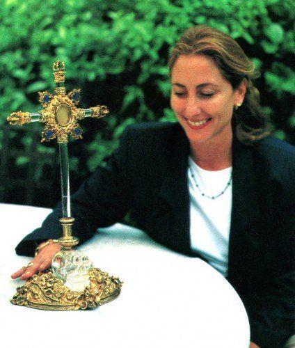 Crâne à la Croix Reliquaire
