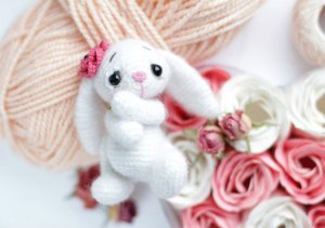 Crochet White Bunny Rabbit--Free Crochet Pattern