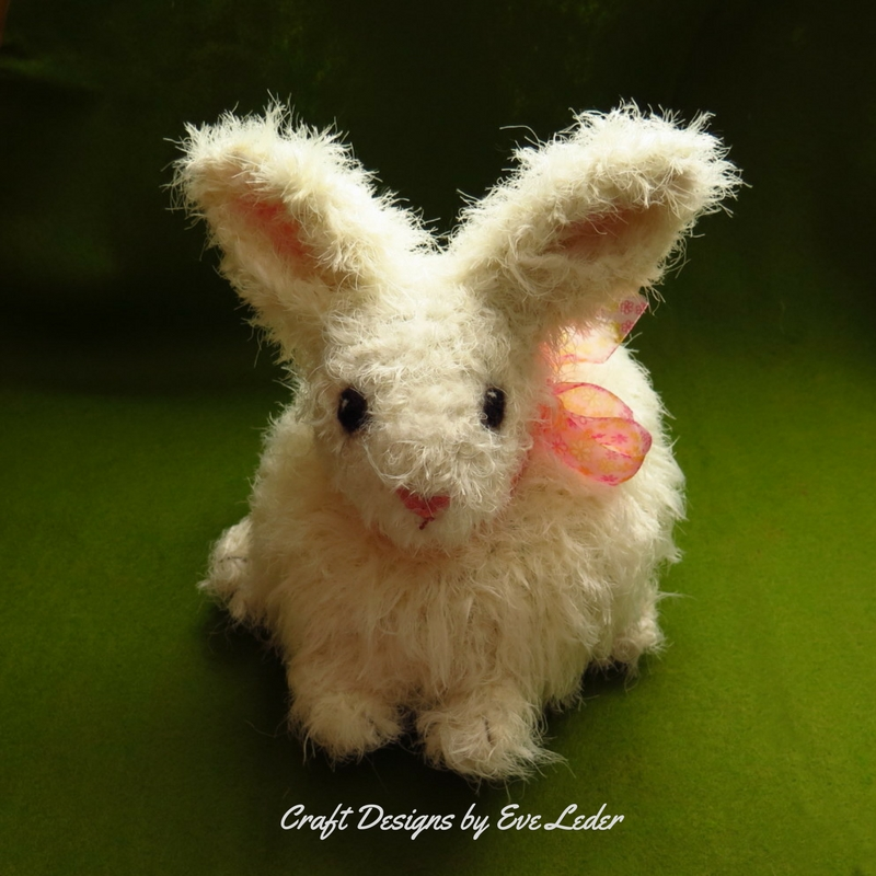 Stripy rabbit amigurumi pattern - Amigurumi Today | 800x800