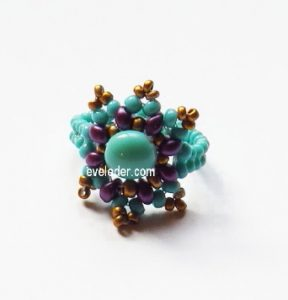 Two Hole Bead Ring--FREE beading tutorial