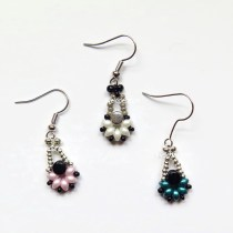 Two Hole Es-O Mini Bead Dangling Earrings--free beading pattern using two hole beads