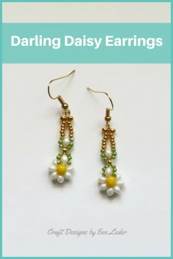 Daisy Earrings — Free beading pattern. These earrings are just so cute! I am keeping my fingers crossed that you will like them as much as I do.