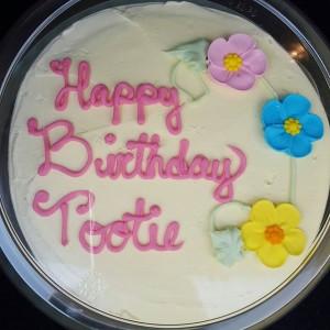 birthday-cake-evelyn