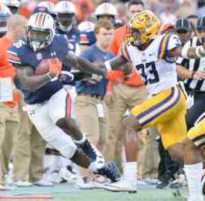 Auburn fullback Kamryn Pettway (36) during the LSU at Auburn game. Photo by Bill Wilson / The Anniston Star