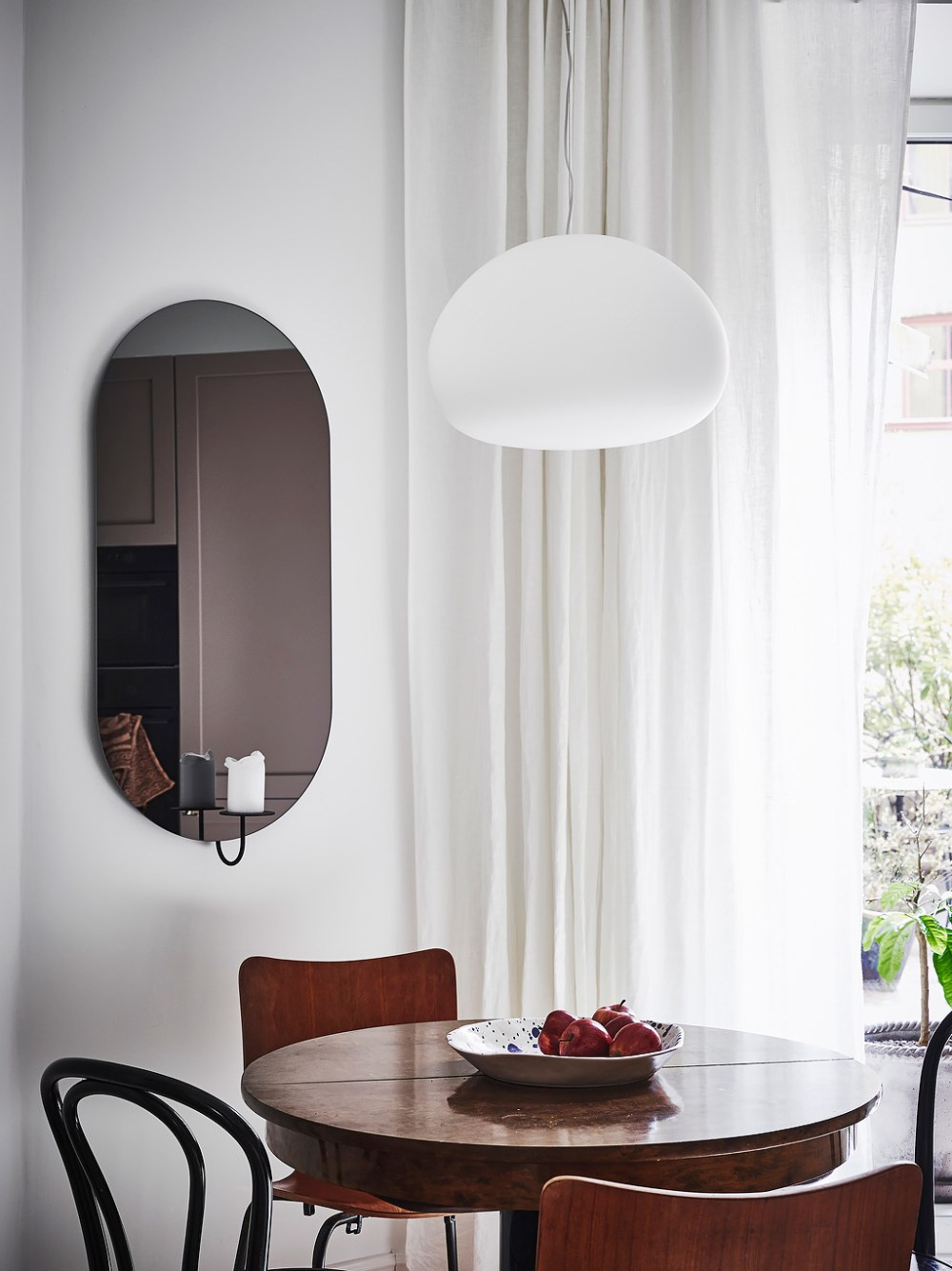 Kitchen lozenge mirror
