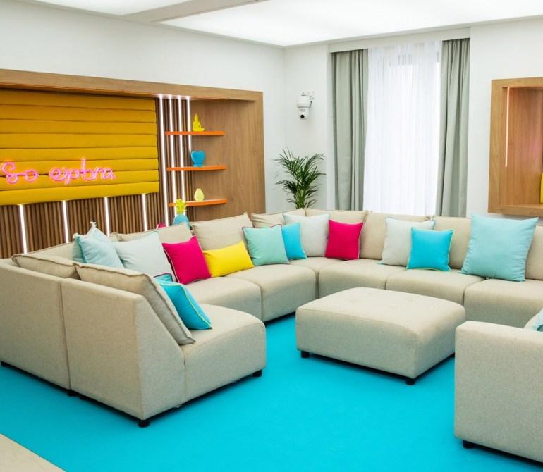 Colourful-cushions.jpg