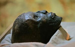 TutankamonMuerto