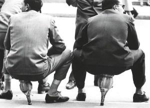 Seduti sui Fiaschi, Milano, 1949, Mario De Biasi