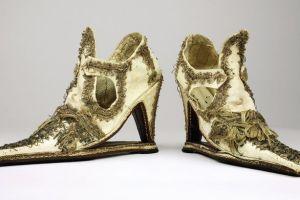 Slap-soled-shoes-secret-museum-book-1865788