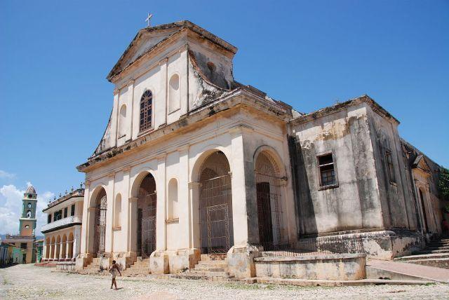 23 Cuba - Trinidad - Plaza Mayor - Iglesia Parroquial de la Santisima, Church of the Holy Trinity