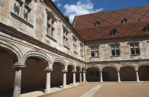 Cour-du-musée-du-Temps-2-©-Gabriel-Vieille-Ville-de-Besançon