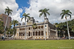 20110225-iolani-palace-oblique-hawaii-0043