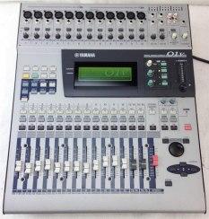 console-orchestre-yamaha-01v