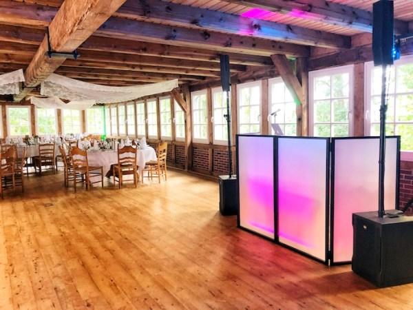 Ambientebeleuchtung der Tanzfläche und Saal von DJane Tilly - DJ Lüneburg und Umgebung