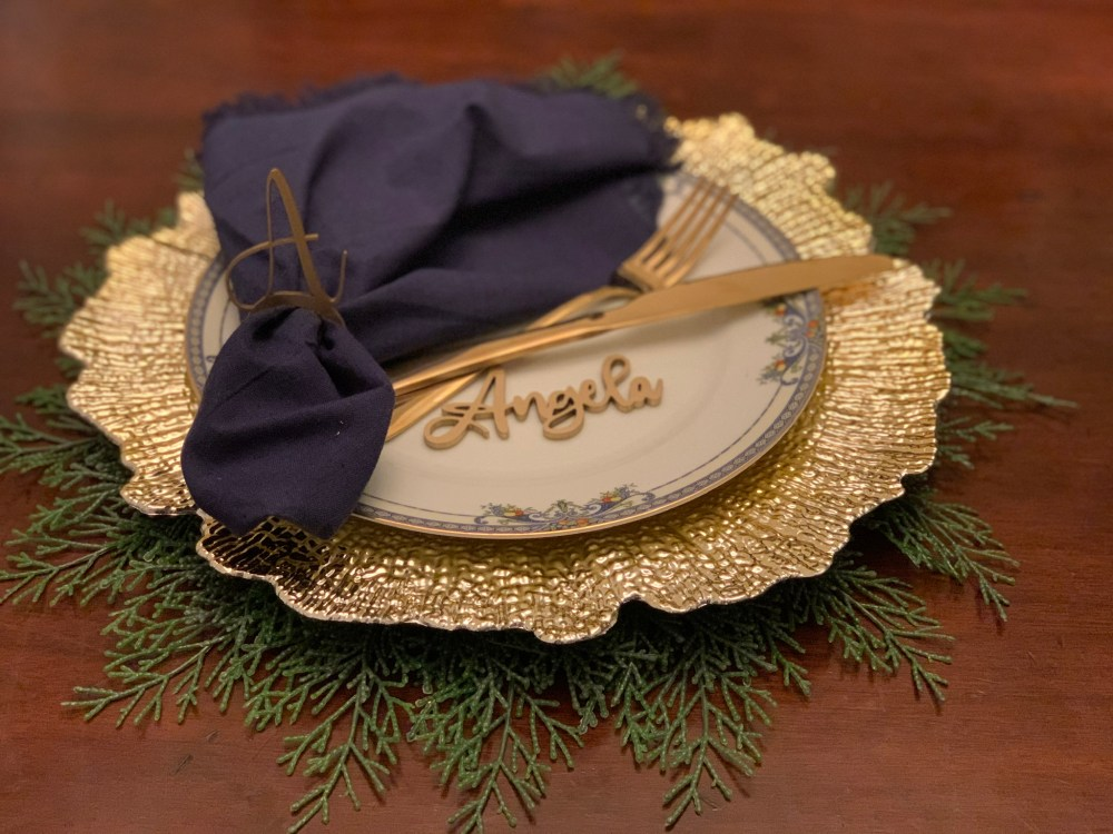 personalized table setting