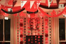 Red_and_Black_theme_Anniversary_party_decoration_09