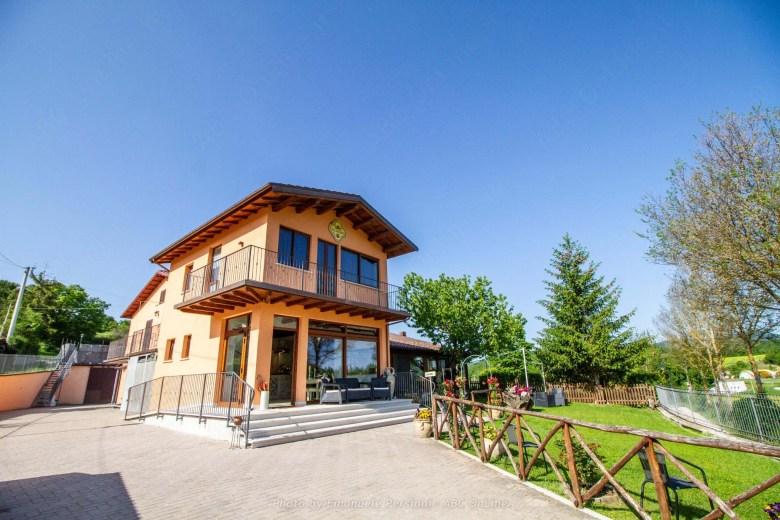 Vacanza in agriturismo con piscina convenzionata in Umbria
