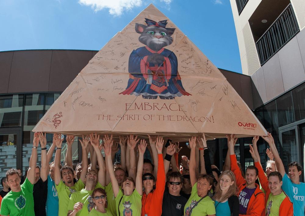flatout-pyramid