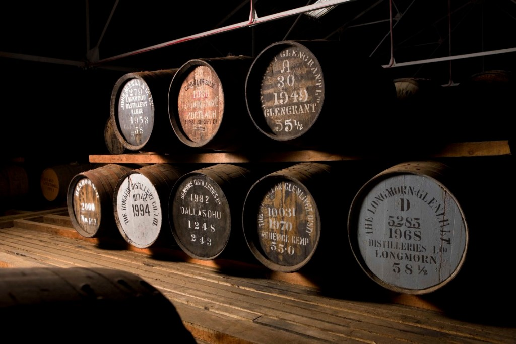 single-malt-whisky-barrels-1140×760