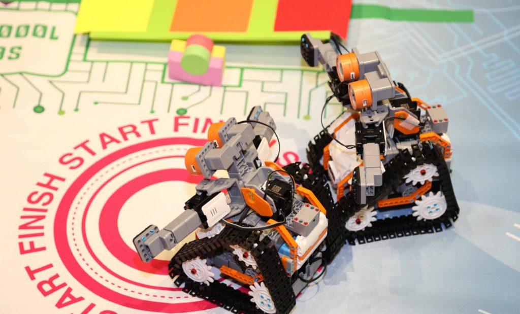 Robot Revolution (10)