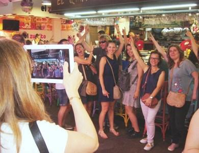 Ruta turística con tablets y tapas _portada_