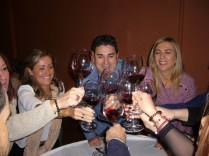 Crea tu Vino Sevilla para 150 personas _4_