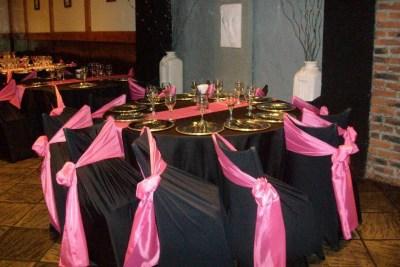 Mesas con Mantelería en Negro y Rosa ideal para Fiestas de 15 años, Aniversarios y eventos formales, en Buenos Aires, Floresta, CABA