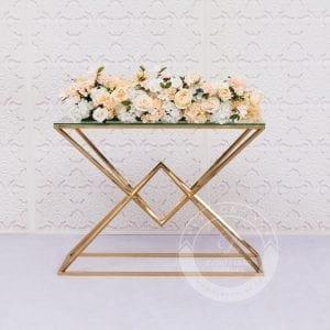 Cake table, dessert table, aisle way