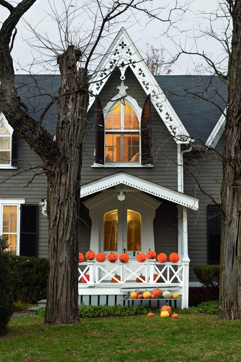 Exquisite Outdoor Halloween Decoration Ideas