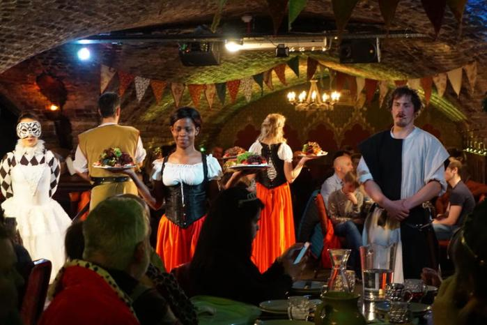 https://www.viator.com/tours/London/Medieval-Banquet-and-Merriment-by-Torchlight-in-London/d737-3858EE051?eap=visitacity-154440546-14055&aid=vba14055en