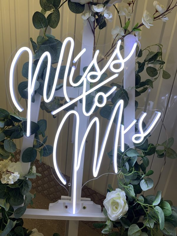 Hen Party – Miss to Mrs Neon Sign