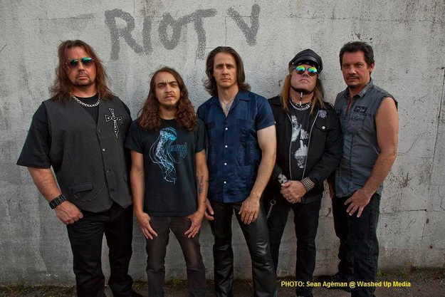 riotv-band2