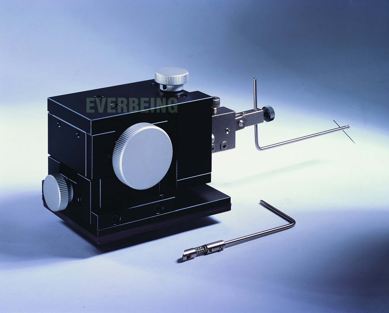 micropositioner probe holder for dc and rf measurement