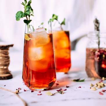 11 nonalcoholic drinks to sip this spring, summer + beyond