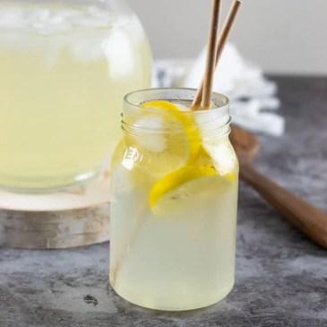 How to make elderflower lemonade