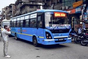 काठमाडौंमा चल्न थाले सार्वजनिक यातायात