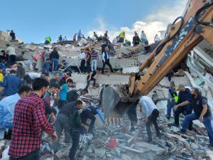 टर्कीमा भूकम्बाट मर्नेको संख्या २३ पुग्यो, ८ सय बढी घाइते (हेर्नुस तस्वीरहरु)