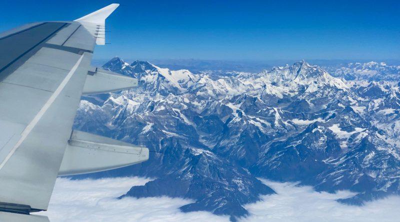 Mount Everest plane
