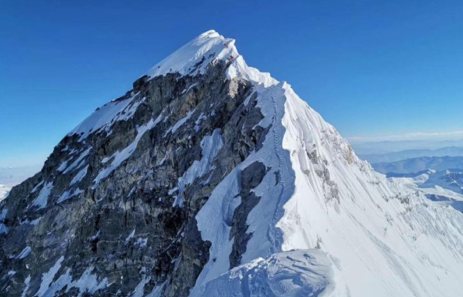 everest peak summit