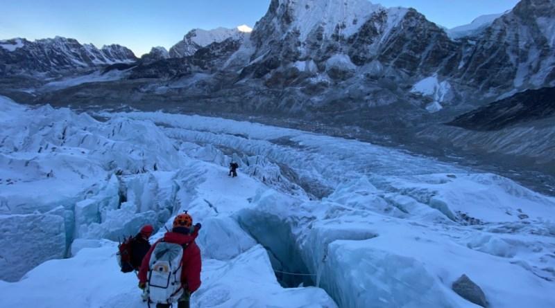 img everest khumbu icefall