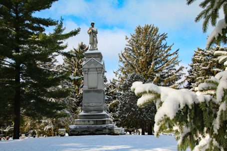 Soldiers Monument in winter