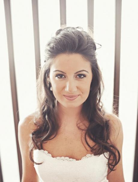 Brautfrisur halb hochgesteckt