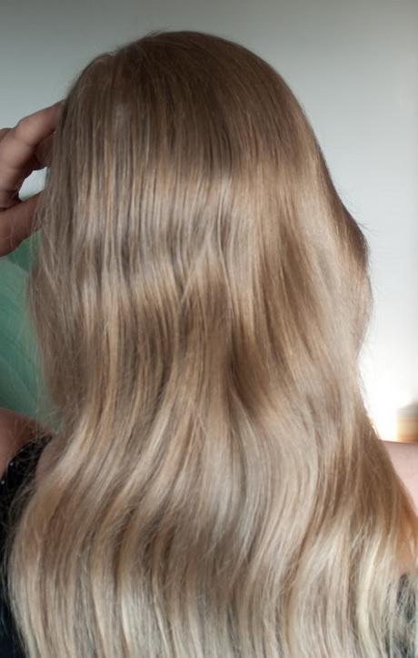 Haare aschblond