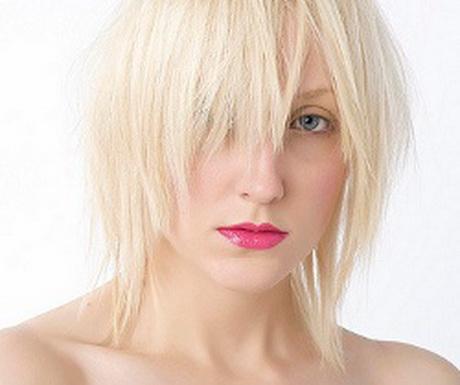 Haarschnitt fransig