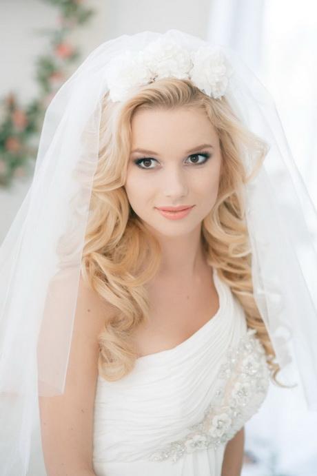 Brautfrisuren offen mit schleier