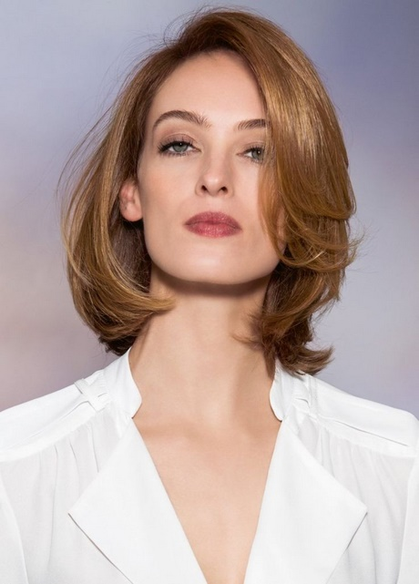 Damen haarschnitt mittellang